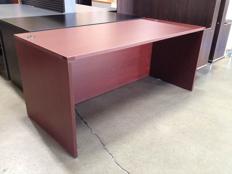 New Desk Shell 66 Mahogany Width W Height 29 H Depth 30 D Pre Embled In With Fluted Edge